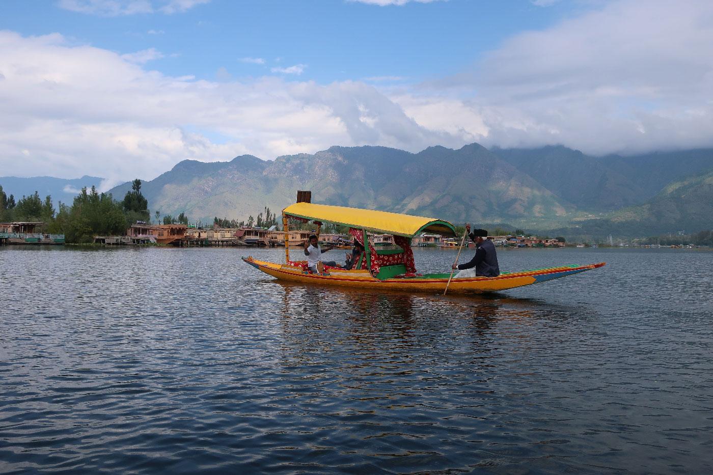 srinagar-lake